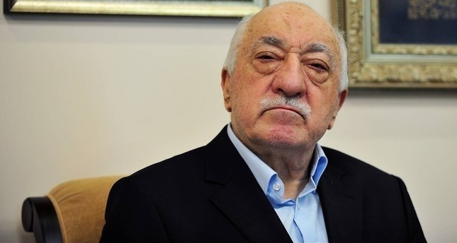 FETÖ seeks to comfort jailed members with secret notes