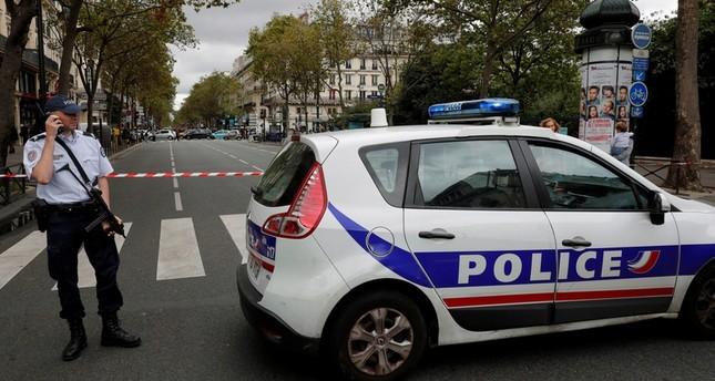مأساة عائلية: فرنسي يطعن زوجين وطفل بالسكين