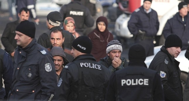 صدامات في أكبر مخيم للاجئين في بلغاريا تسفر عن جرح 26 شخصاً