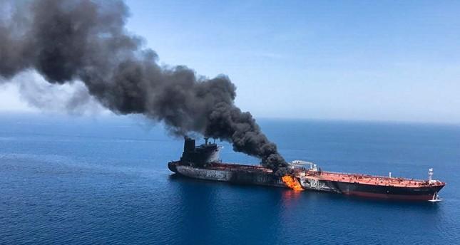 إحدى الناقلات التي استهدفت في خليج عمان (AP)