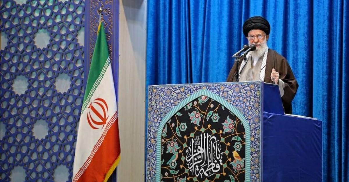 Iran's Supreme Leader Ayatollah Ali Khamenei delivers the Friday prayer sermon, Tehran, Jan. 17, 2020. (REUTERS Photo)