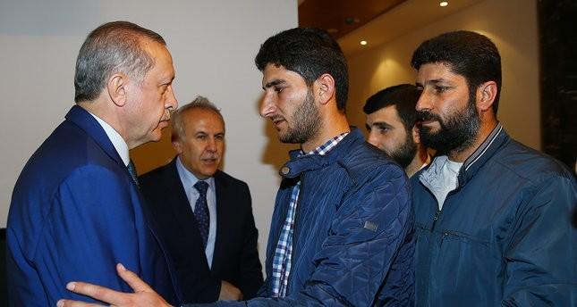 سوري فقد 16 من أسرته بـالكيماوي يشكر أردوغان لوقوفه إلى جانب الشعب السوري