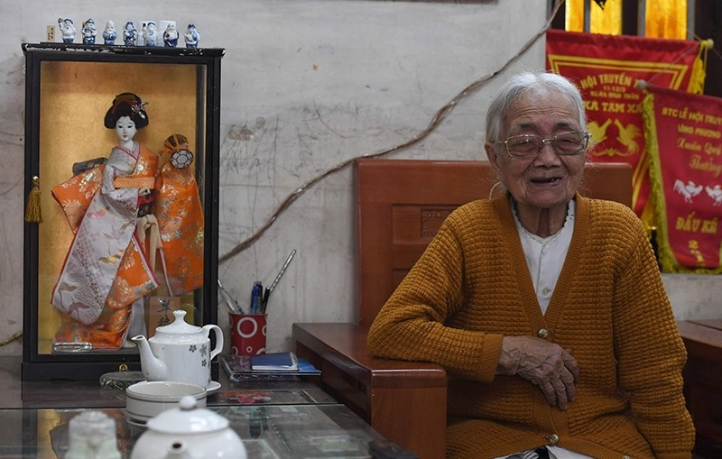 Nguyen Thi Xuan, 94, Vietnamese wife of a former Japanese soldier, speaking during an interview. Feb. 23, 2017. (AFP Photo)