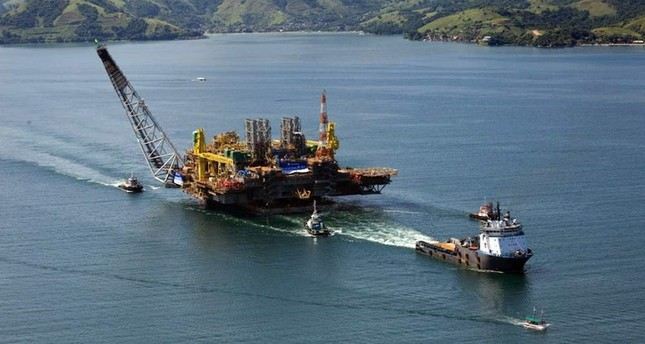This file photo taken on August 21, 2008 shows a view of the Petrobras P-51 semi-submersible off-shore oil platform construction site at the Brasfelf shipyard in Angra dos Reis, 180 km south of Rio de Janeiro, Brazil. (AFP Photo)