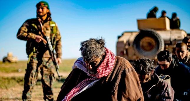 ي ب ك الإرهابي يمهد الطريق لتسلل 300 إرهابي من داعش إلى تركيا