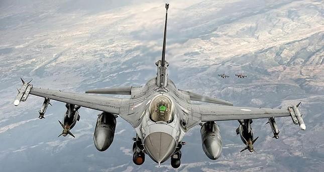 مقاتلات تركية تستهدف مواقع لإرهابيي بي كا كا شمالي العراق