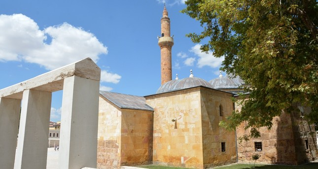 Founded by Evran-ı Veli in the 1300s, the Dervish Lodge, which served as a soup kitchen, a spot for dervish rituals, a religious retreat and a space for Islamic mysticism, serves as the Evran-ı Veli Mosque and Shrine today.
