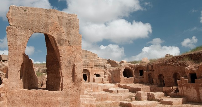 With its historical richness, the ancient city of Dara hosts many local and foreign visitors.