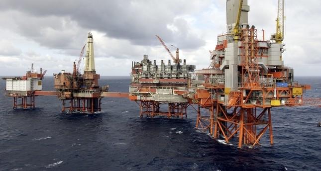 هل تنجح السعودية وروسيا في رفع سعر البترول؟