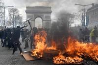 فرنسا.. إقالة قائد شرطة باريس وحظر المظاهرات في الجادات الرئيسية