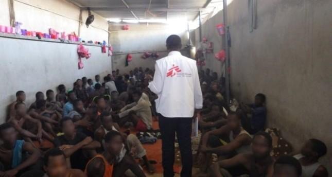 أطباء بلا حدود تطالب بإجلاء فوري للمهاجرين المحتجزين بالعاصمة الليبية