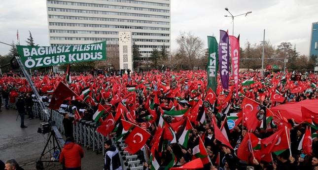 Thousands protest US Jerusalem move across Turkey