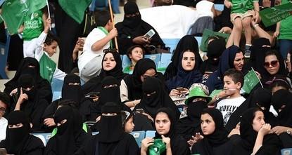 pSaudi-Arabien gewährt Frauen ab dem kommenden Jahr den Zugang zu drei Sportstadien. Die Stadien in der Hauptstadt Riad sowie in Dschiddah im Westen und Dammam im Osten sollen ab Anfang 2018 auch...