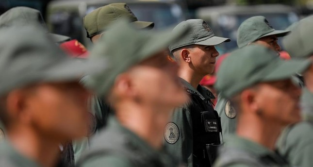 Colombia receives 1,000 Venezuelan army deserters