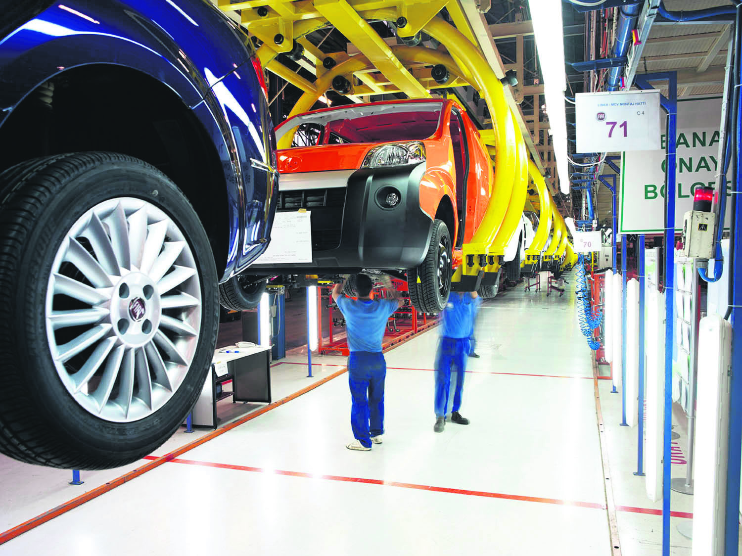 The automotive sector is poised to declare its leading position in Turkish exports for the 12th time in a row as the industry breakes an all-time record before the year ends.