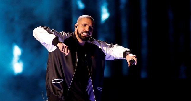 Drake was the most popular global artist of 2016.