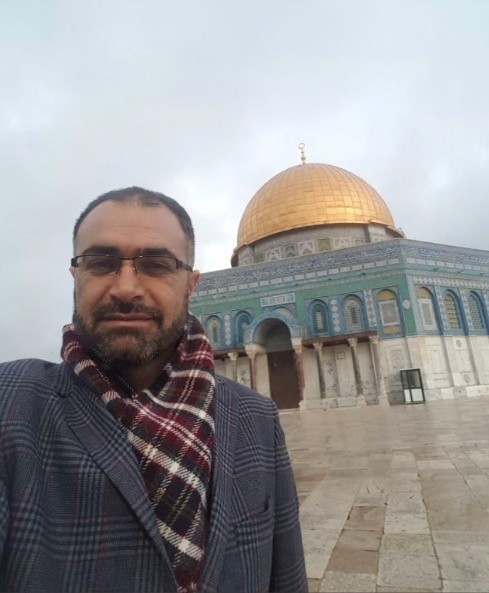 Tekeli in front of the Dome of the Rock mosque, Jerusalem, Palestine