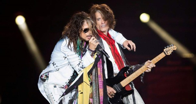 Vocalist Steven Tyler L and guitarist Joe Perry of Aerosmith perform during their Aerosmith: Let Rock Rule tour at The Forum in Inglewood, California July 30, 2014. Reuters File Photo
