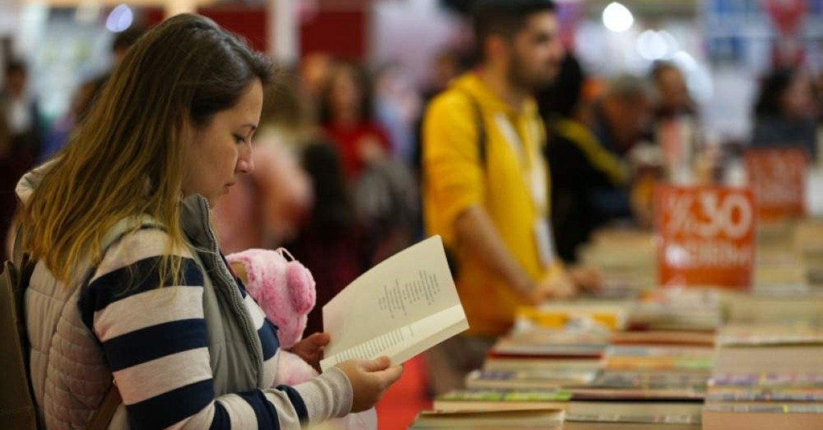 Number of book readers in Turkey rises to 42% over 11 years thumbnail