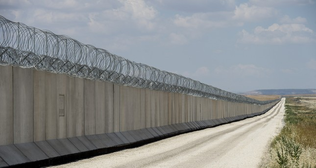 تركيا تستكمل بناء جدار أمني على الحدود مع سوريا
