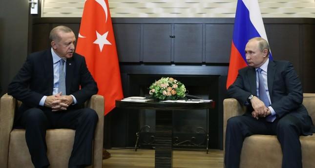 أردوغان وبوتين يبحثان هاتفيا آخر التطورات في سوريا