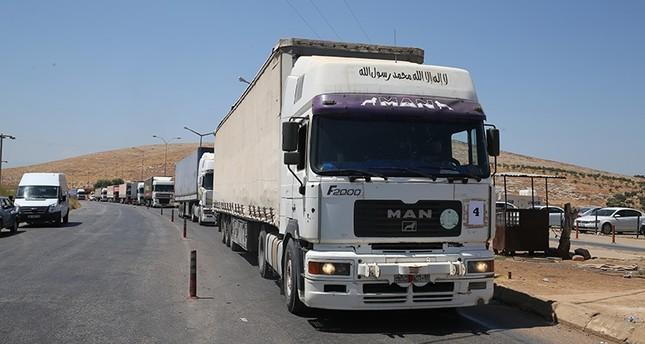 شاحنات مساعدات أممية تتجه إلى إدلب السورية عبر تركيا