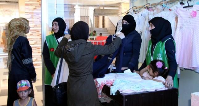 """İHH"" التركية تواصل تقديم المساعدات إلى أهالي ""عفرين"" السورية"
