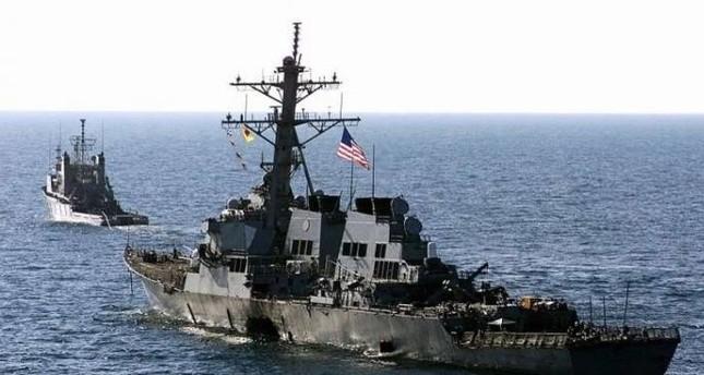 مدمرة أمريكية تقترب من جزر متنازع عليها مع الصين