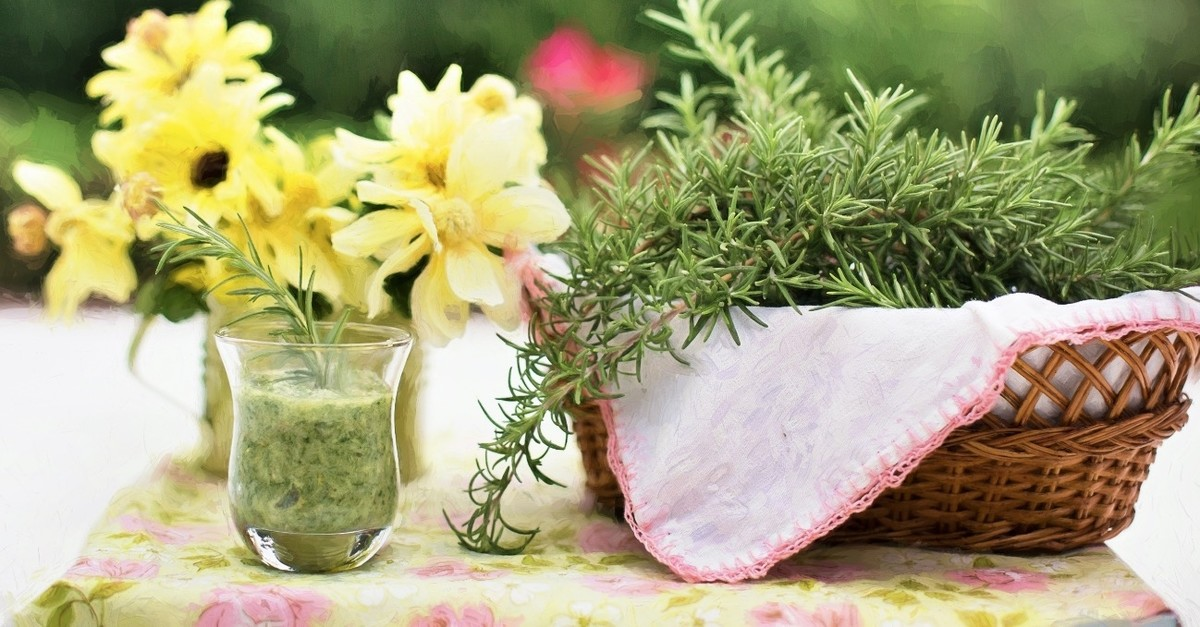 Rosemary is effective in removing toxins from the body as well as repairing damaged cells.