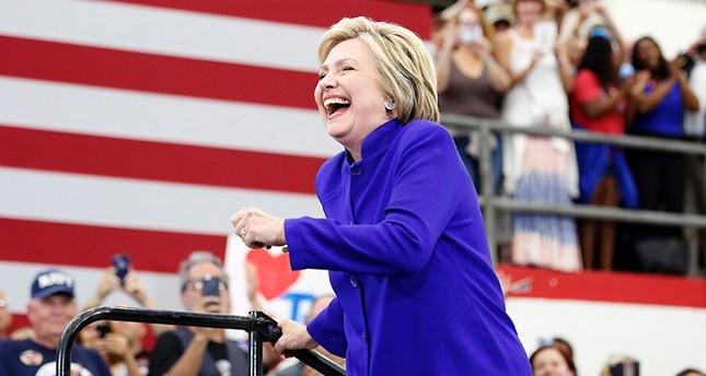 كلينتون تفوز بترشيح الحزب الديموقراطي للانتخابات الرئاسية