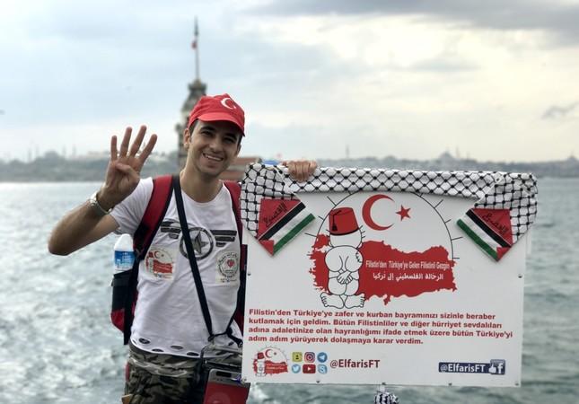 Palestinian starts walk from Istanbul to Ankara to 'thank Turkey'