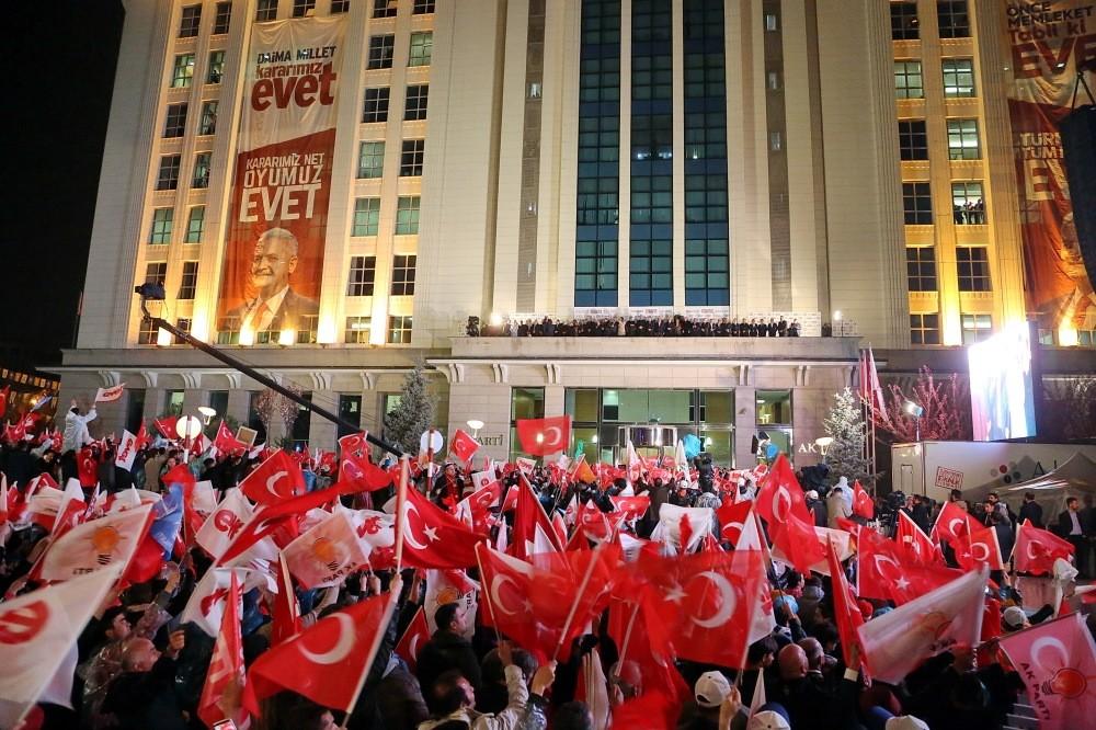 Prime Minister Binali Yu0131ldu0131ru0131m adrressing people who gathered around the AK Party headquarters to celebrate the referendum results, Ankara, April 16.