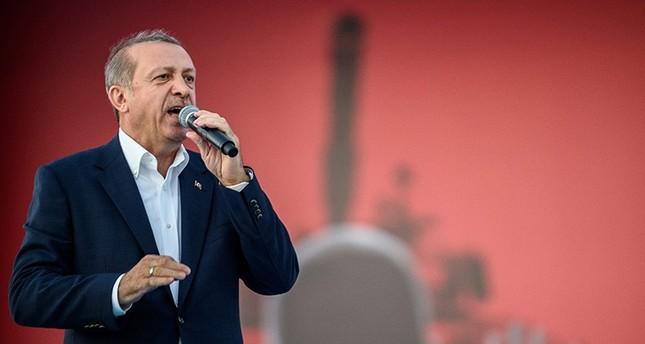 """Der türkische Präsident Recep Tayyip Erdoğan bei der """"Demokratie und Märtyrer Kundgebung am 07. August 2015 (AFP Foto)"""