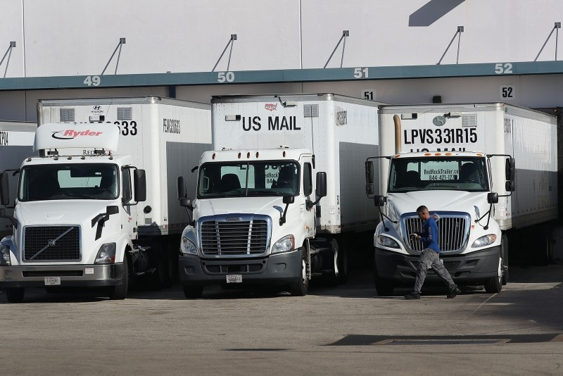 The U.S. Postal Service mail facility is seen where federal law enforcement personnel are investigating pipe bombs that passed through the facility on October 26, 2018 in Opa Locka, Florida. (AFP Photo)