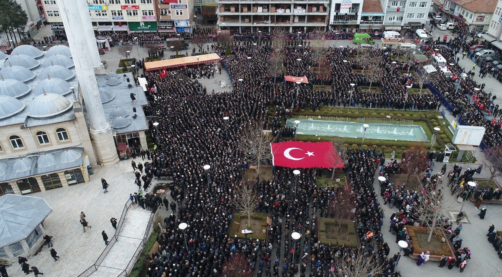 Funeral for Gu00f6ksu u015eafak u015eahin, the 32nd soldier to die in Operation Olive Branch, drew thousands of mourners.
