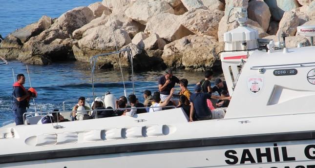 ضبط 34 مهاجراً غير قانوني قبالة سواحل أنطاليا التركية