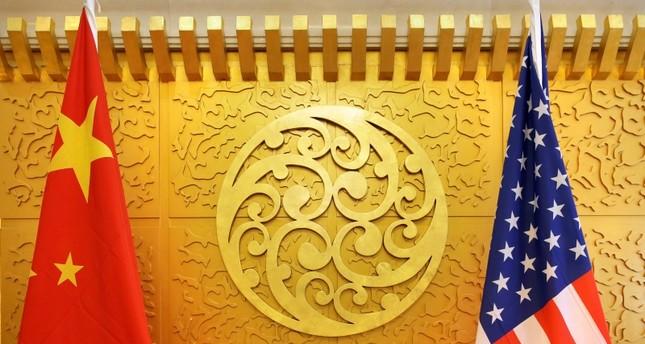 بلومبيرغ: واشنطن وبكين تقتربان من توقيع المرحلة الأولى من الاتفاق التجاري بينهما