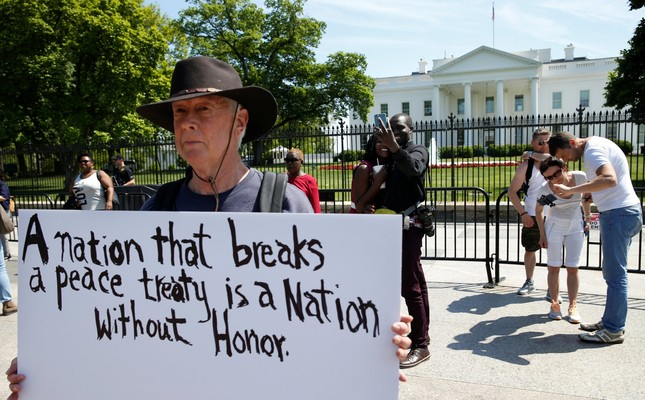 David Barrows protests outside of the White House as U.S. President Donald Trump announces the U.S.'s withdrawal from the Iran nuclear deal, May 8.