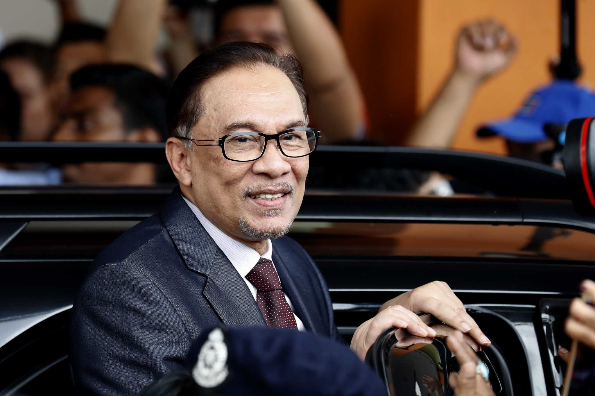 Newly released from prison, the future leader of Malaysia Anwar Ibrahim said he will adopt a start-from-scratch strategy for his country.