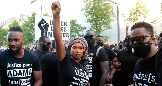 مظاهرة مناهضة للعنصرية في باريس AP
