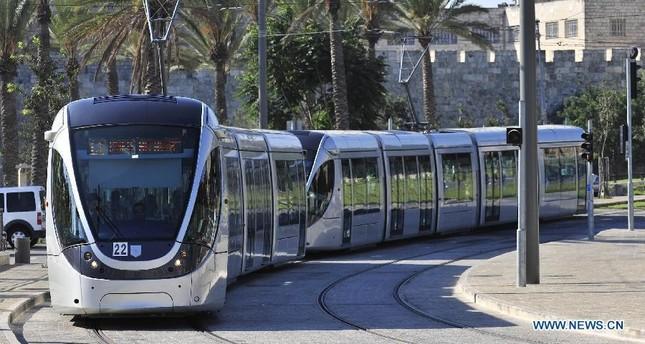 الإذاعة الإسرائيلية: إحباط عملية تفجيرية في القدس واعتقال المشتبه به