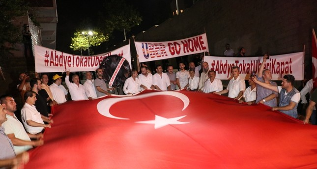 Turkish taxi drivers protest US, Uber