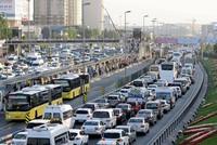 99.260 neue Fahrzeuge wurden im April in der Türkei zugelassen. Das ist ungefähr 7,2 Prozent weniger gegenüber dem gleichen Monat im vergangenen Jahr, so das Türkische Statistikinstitut...