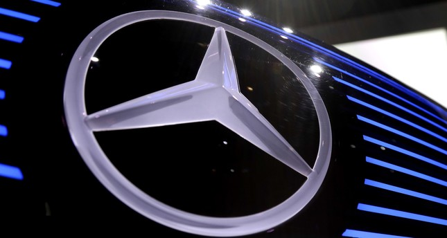 Daimler profits hit by costs of diesel recall