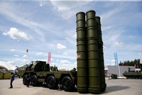 Turkey bought S400s to use them, not to put them aside, head of defense industry says