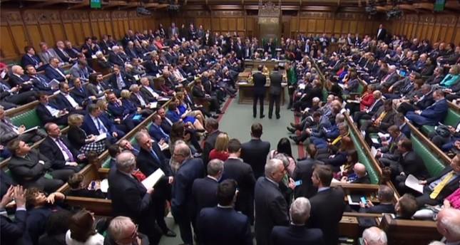 البرلمان البريطاني يوافق على تأجيل بريكست