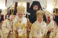 Hieronymos II. (links), Erzbischof von Griechenland und Bartholomäus I., Fener Patriarch, in der Kirche der Heiligen Maria (AA Foto)