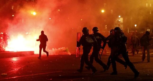 فرنسا.. احتجاجات وإضرابات عمالية تشل الحياة في عدة مدن