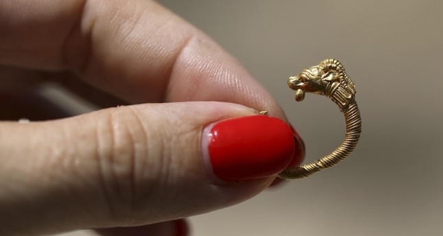 Echoes of Greek rule over Jerusalem in ancient gold earring