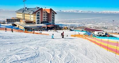 موسم التزلج ينطلق مرحبا بثلوج بلاندوكن في أرضروم التركية